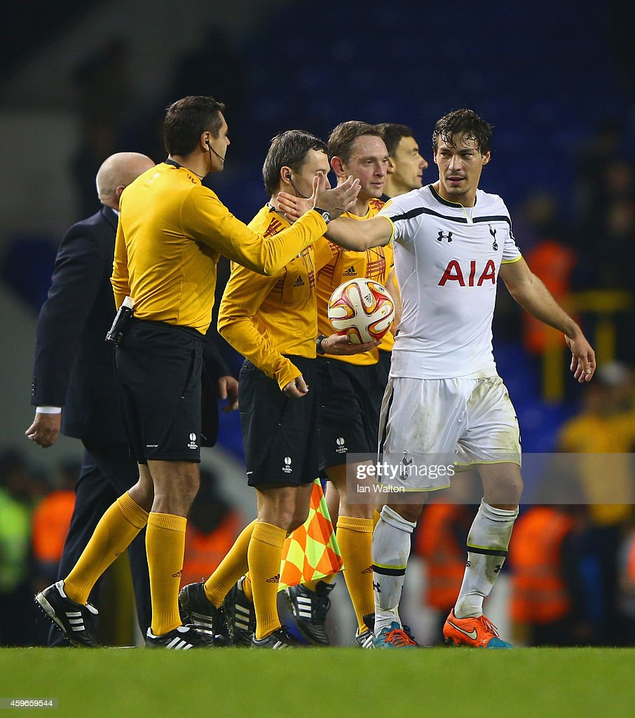 Benjamin Stambouli of Spurs thanks the match officials after the UEFA Europa League group C match between Tottenham Hotspur FC and FK Partizan at White Hart Lane on November 27, 2014 in London, United Kingdom.