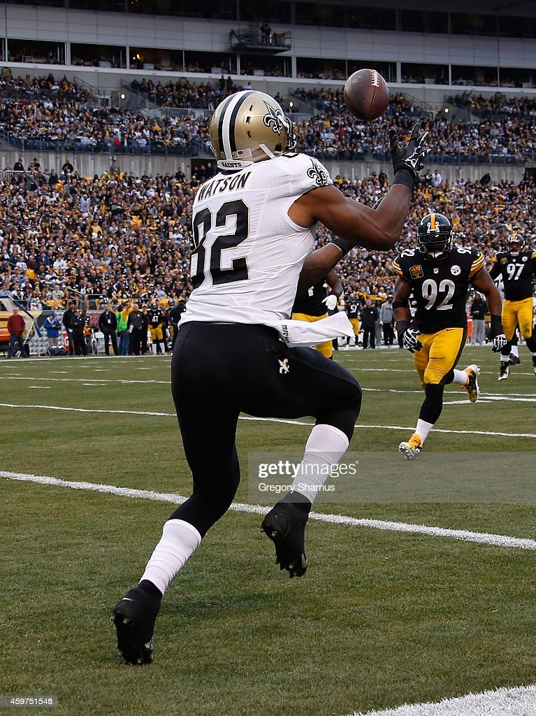 Benjamin Watson #82 of the New Orleans Saints catches a pass for a second quarter touchdown against the Pittsburgh Steelers at Heinz Field on November 30, 2014 in Pittsburgh, Pennsylvania.