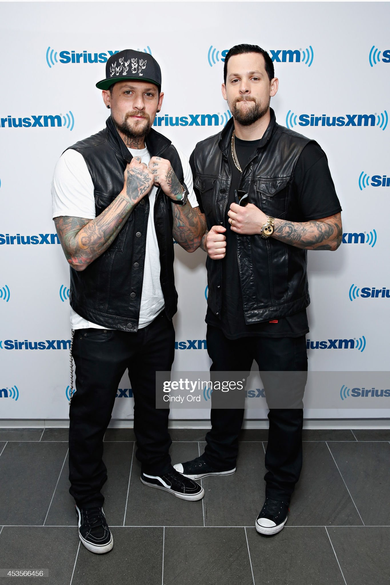 ¿Cuánto mide Joel Madden? - Altura - Real height Benji-madden-and-joel-madden-of-the-madden-brothers-visit-the-on-picture-id453566456?s=2048x2048