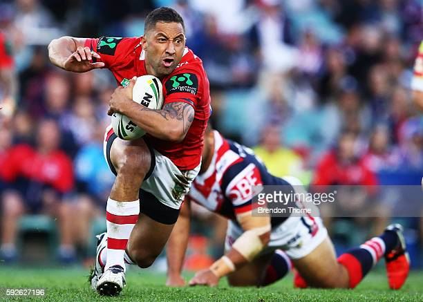 Benji Marshall of the Dragons runs the ball during the round 24 NRL match between the Sydney Roosters and the St George Illawarra Dragons at Allianz...