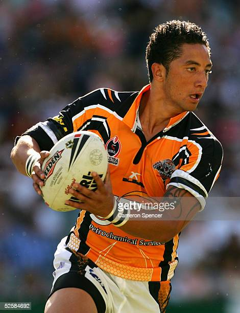 Benji Marshall of the Tigers in action during the round four NRL match between the Sydney Roosters and the Wests Tigers at Aussie Stadium April 3,...
