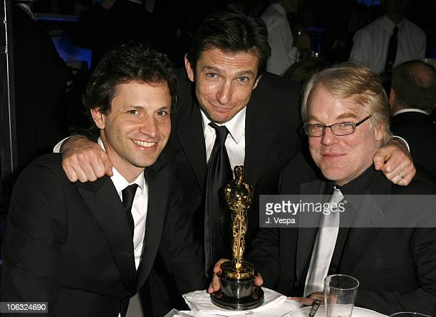 Bennett Miller director of 'Capote' Dan Futterman nominee Best Adapted Screenplay for 'Capote' and Philip Seymour Hoffman winner Best Actor in a...