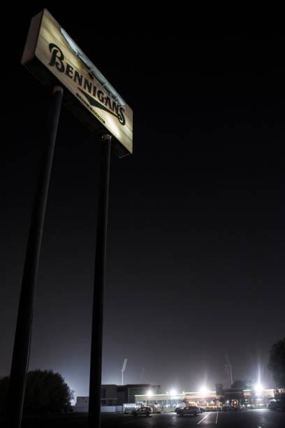 Bennigan's Signboard