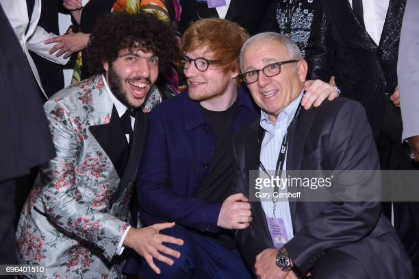 Benny Blanco Hal David Starlight Award Winner Ed Sheeran and Linda Moran and Irving Azoff pose backstage at the Songwriters Hall Of Fame 48th Annual...