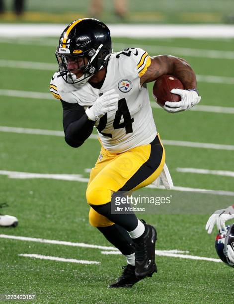 Benny Snell Jr. #24 of the Pittsburgh Steelers in action against the New York Giants at MetLife Stadium on September 14, 2020 in East Rutherford, New...