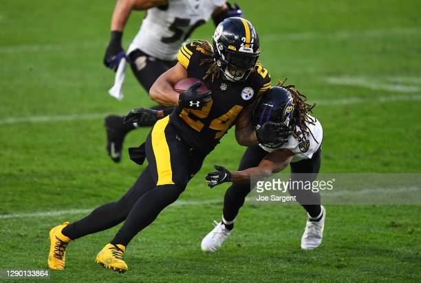 Benny Snell of the Pittsburgh Steelers in action during the game against the Baltimore Ravens at Heinz Field on December 2, 2020 in Pittsburgh,...