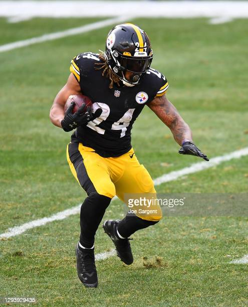 Benny Snell of the Pittsburgh Steelers in action during the game against the Indianapolis Colts at Heinz Field on December 27, 2020 in Pittsburgh,...
