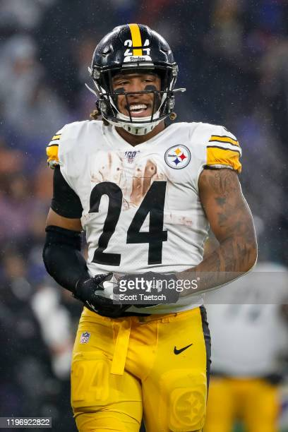 Benny Snell of the Pittsburgh Steelers looks on against the Baltimore Ravens during the first half at M&T Bank Stadium on December 29, 2019 in...