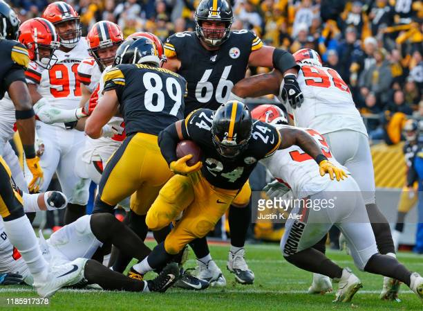 Benny Snell of the Pittsburgh Steelers rushes for a 1-yard touchdown in the third quarter against the Cleveland Browns on December 1, 2019 at Heinz...