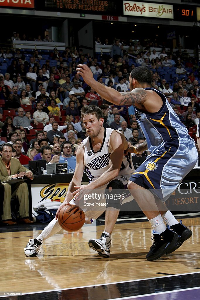 Beno Udrih #19 of the Sacramento Kings looks to get to the basket around Marcus Williams #5 of the Memphis Grizzlies on March 22, 2010 at ARCO Arena in Sacramento, California.