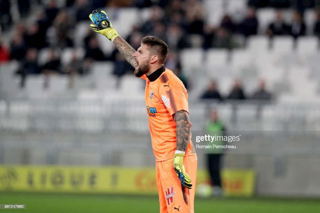 Benoit Costil of Bordeaux gestures during the Ligue 1 match between FC Girondins de Bordeaux and AS Saint-Etienne at Stade Matmut Atlantique on November 29, 2017 in Bordeaux, .