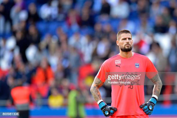 Benoit Costil ofFC Girondins de Bordeaux reacts during the Ligue 1 match between Paris Saint Germain and FC Girondins de Bordeaux at Parc des Princes...