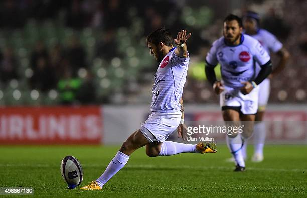 Benoit Paillaugue of Montpellier kicks a penalty during the European Rugby Challenge Cup Pool 3 match between Harlequins and Montpellier at...