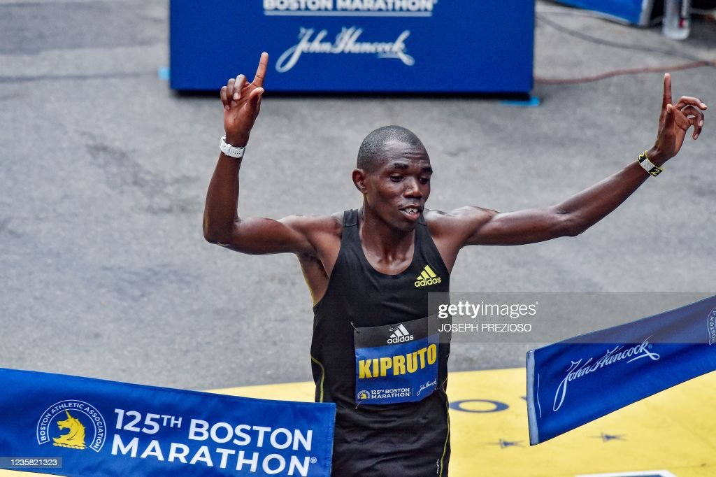 athletics-marathon-US-BOSTON : News Photo