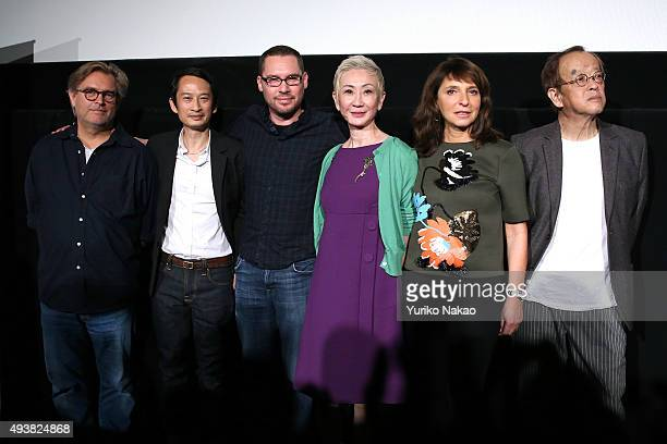 Bent Hamer Tran Anh Hung Bryan Singer Nansun Shi Susanne Bier and Kazuki Omori pose at the end of the Jury Press Conference during the Tokyo...