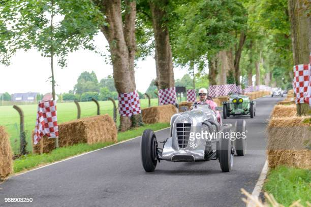 bentley 6.5-litre old mother gun vintage 1927  le mans race car - car racing stock pictures, royalty-free photos & images