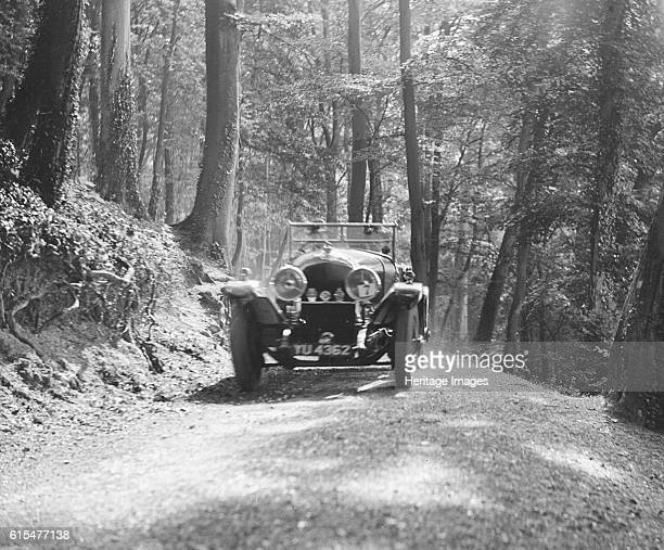 Bentley of SB Harris taking part in the North West London Motor Club Trial 1 June 1929 Bentley 4 seater VDP body 1927 4398 cc Vehicle Reg No YU4362...