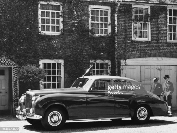 A Bentley S1 circa 1955 It has a sixcylinder 4887 cc engine with automatic transmission powerassisted steering and servoassisted brakes