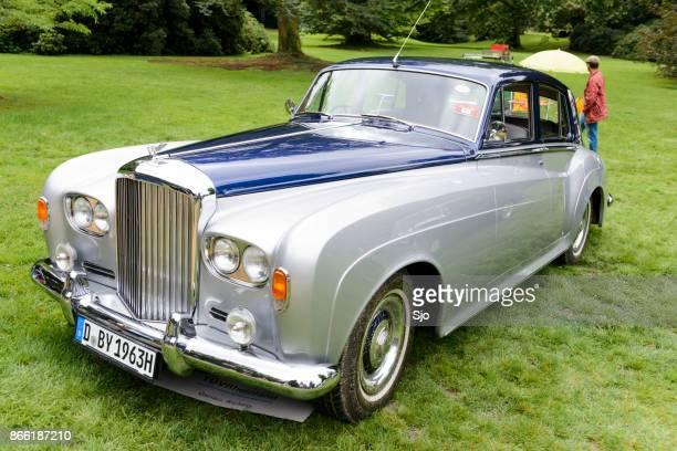 "bentley s3 saloon classic luxury car - ""sjoerd van der wal"" or ""sjo"" stock pictures, royalty-free photos & images"