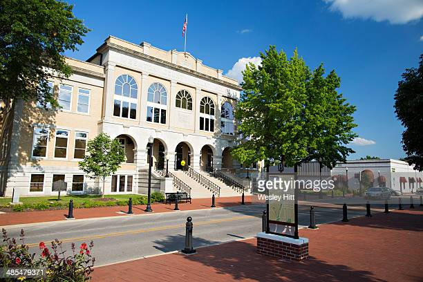 bentonville court house - bentonville stock photos and pictures