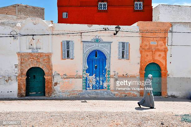 berber man walking in azemmour - morocco - casablanca stock pictures, royalty-free photos & images