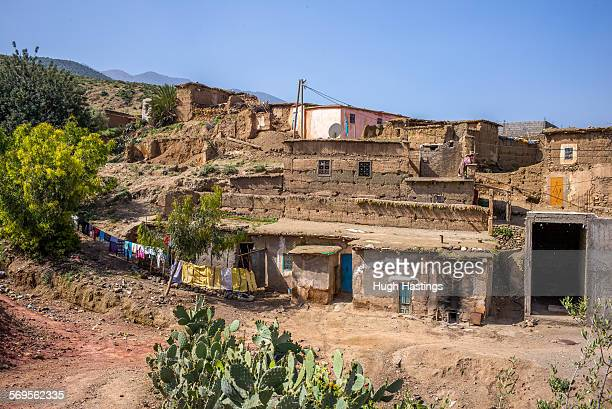 berber village in atlas mountainsl - hugh hastings stock pictures, royalty-free photos & images