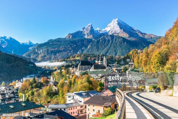 berchtesgaden in autumn, bavaria, germany europe - berchtesgaden stockfoto's en -beelden