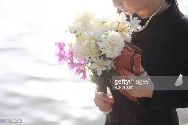 bereaved - funeral stock pictures, royalty-free photos & images