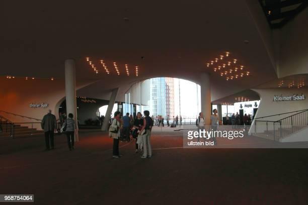 Bereits zwei Millionen Gaeste haben die ElphiPlaza in 37 m Hoehe besucht Elbphilharmonie das neue Wahrzeichen Hamburgs