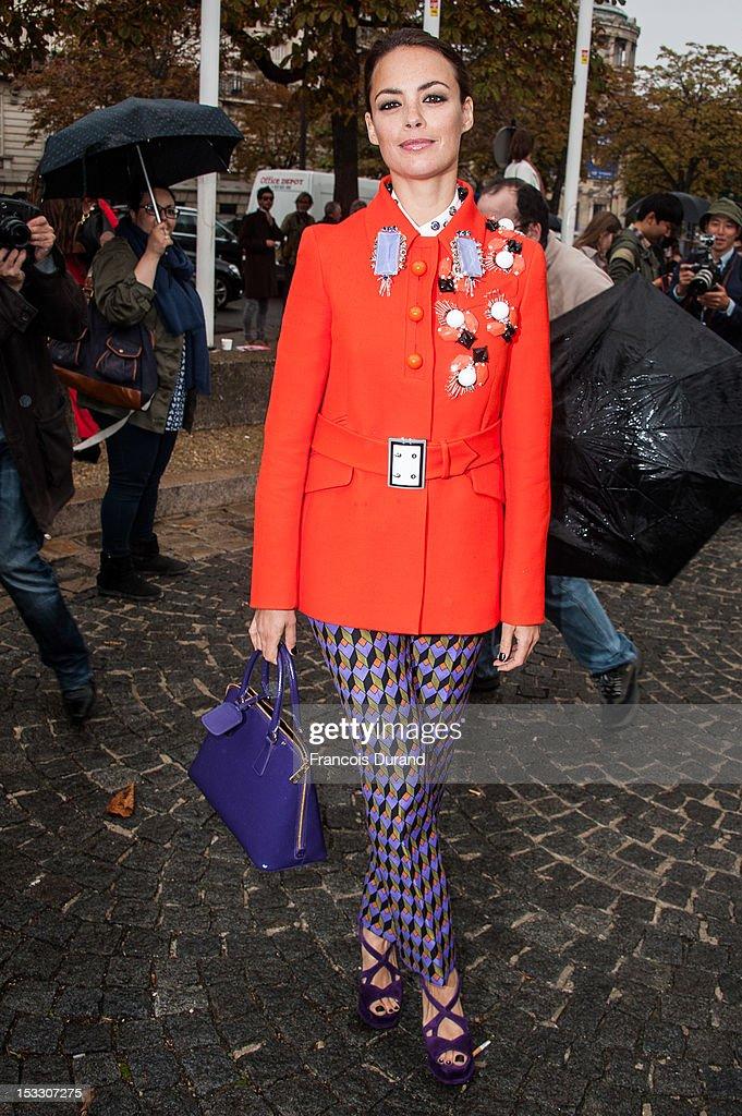 Berenice Bejo arrives at the Miu Miu Spring/Summer 2013 show as part of Paris Fashion Week on October 3, 2012 in Paris, France.