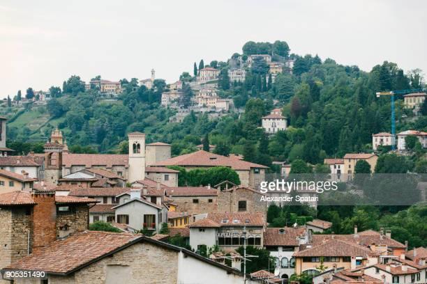 bergamo townscape, lombardy, italy - bergamo fotografías e imágenes de stock