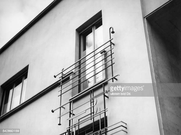 Bergius Friedrich *11101884Chemiker DNobelpreis fuer Chemie 1931 Wohnhaus in Heidelberg Außenansicht Französische Fenster mit Gittern undatiert...