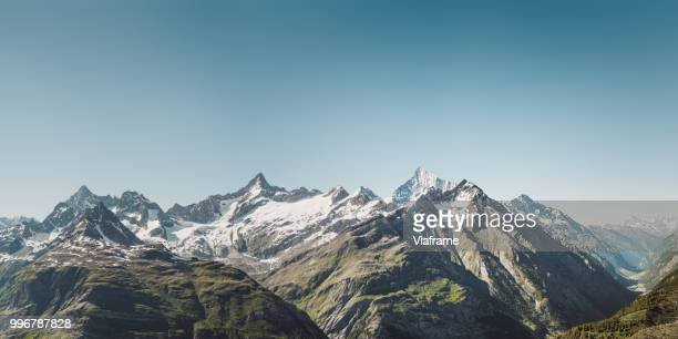 bergkette zermatt - switzerland stock pictures, royalty-free photos & images