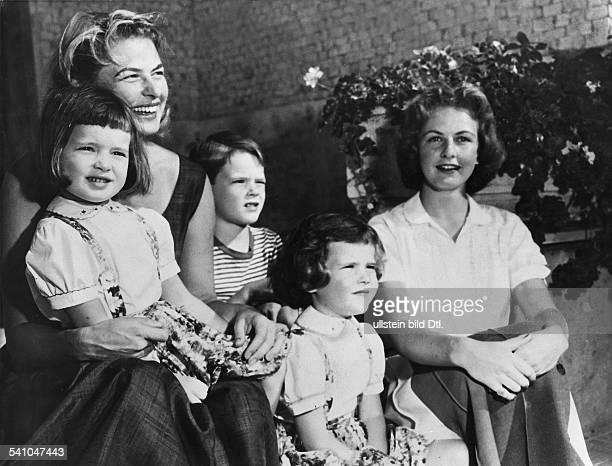 Bergmann, Ingrid *-+Schauspielerin; Schwedenmit den Kindern Ingrid, Isabella undRobertino sowie Tochter Pia Lindström auserster Ehe