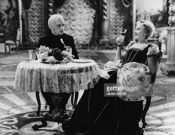 Bergner Elisabeth Actress Austria *22081897 Scene from the movie 'The Rise of Catherine the Great' Directed by Paul Czinner Great Britain 1934 Film...