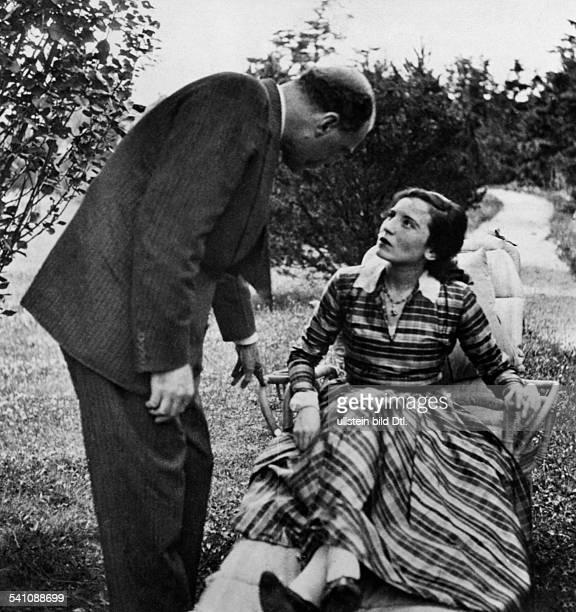 Bergner Elisabeth Actress Austria *22081897 with husband Paul Czinner 1933 Vintage property of ullstein bild