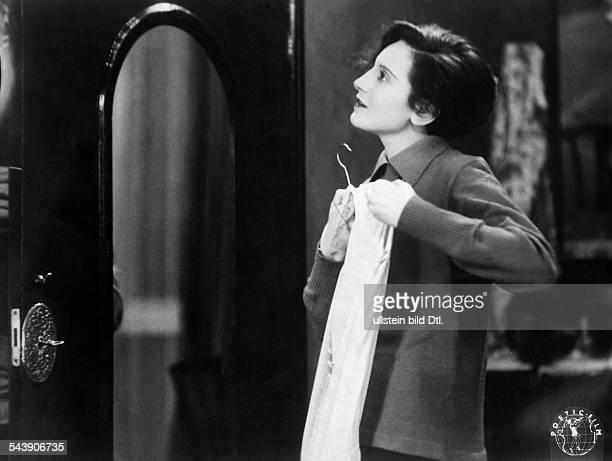 Bergner Elisabeth Actress Austria *22081897nee Elisabeth Ettl as Else Thalhof in the movie 'Miss Else ' directed by Paul Czinner 1929 Published by...