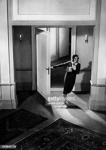 Bergner Elisabeth Actress Austria *22081897nee Elisabeth Eittel in the movie 'Ariane' by Paul Czinner 1931Vintage property of ullstein bild