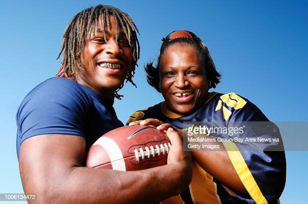University of California Berkeley AllAmerican football player Marshawn Lynch with his mother Delisa Lynch Aric Crabb/Bay Area News Group