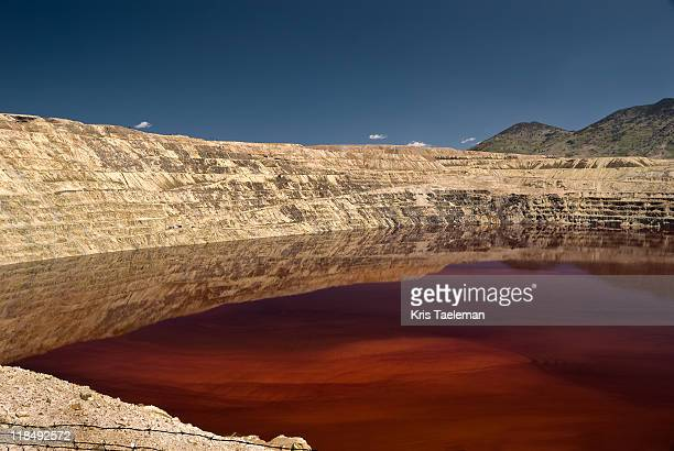 berkeley pit, butte, montana - カリフォルニア州 バークレー ストックフォトと画像