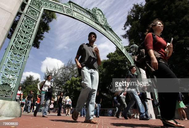 Berkeley students walk through Sather Gate on the UC Berkeley campus April 17, 2007 in Berkeley, California. Robert Dynes, President of the...