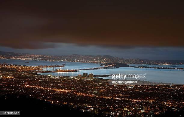 Berkeley, le pont Bay Bridge et San Francisco signalisation de nuit