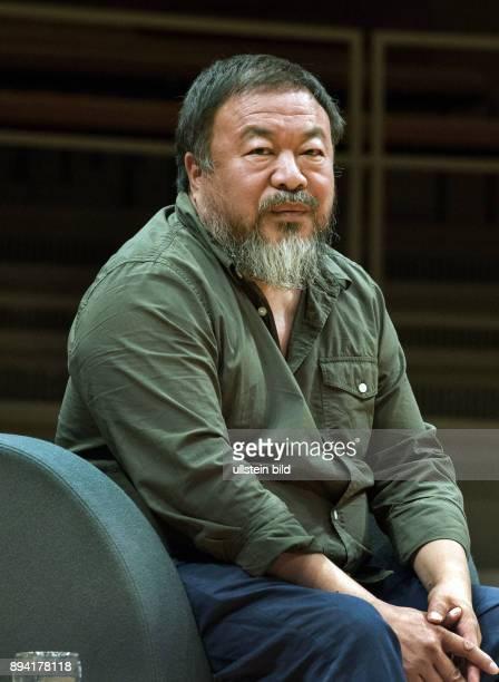 Berlin Philharmonie zum Auftakt des Internationalen Literaturfestivals in Berlin diskutierten der internationale Kunststar Ai Weiwei und der...