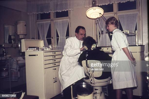 GER Berlin 50er Jahre Zahnarzt