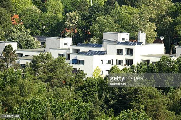 Berlin Blick vom Teufelsberg im Berliner Grunewald in Richtung HeerstraßeEine sogennate bevorzugte Wohngegend mit eleganten Immobilien zwischem altem...