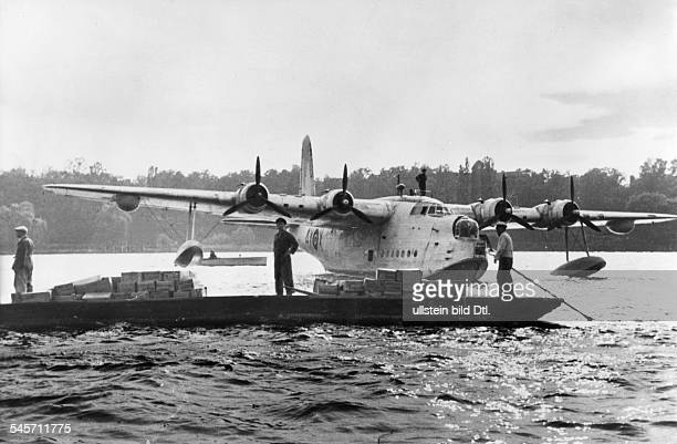 Berlin Blockade Airborne supply of the population a flying boat of the Royal Air Force is being unloaded on the River Havel