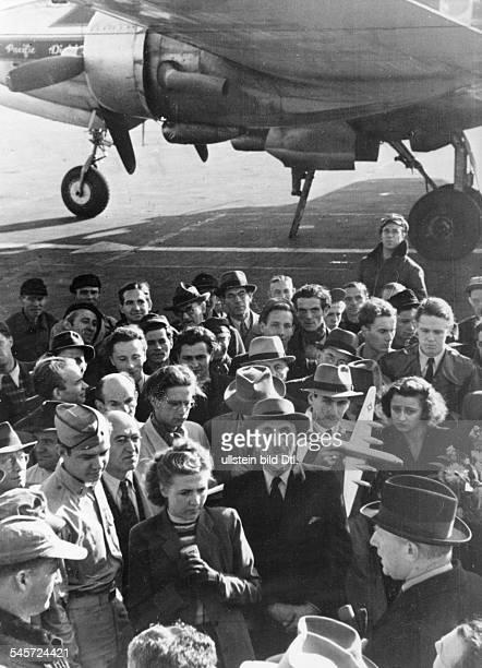 Berlin Blockade The first 100 days of the blockade: Address by Mayor Ferdinand Friedensburg at a field in Tempelhof - 1948