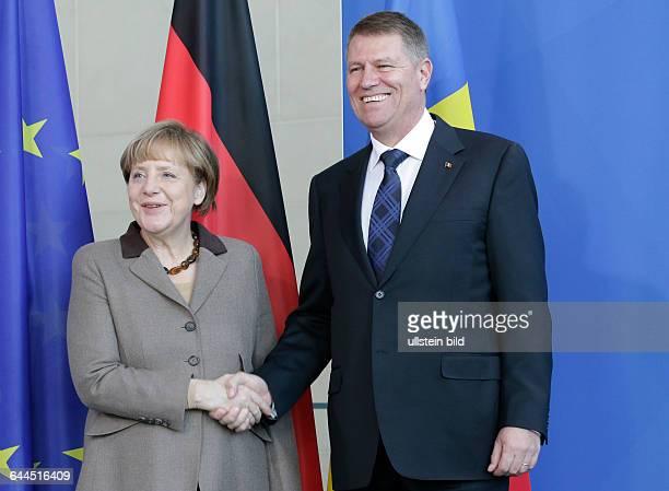 Berlin Bundeskanzleramt Gemeinsame Presseunterrichtung nach dem Gespräch der Bundeskanzlerin Angela Merkel und des Staatspräsidenten von Rumänien...