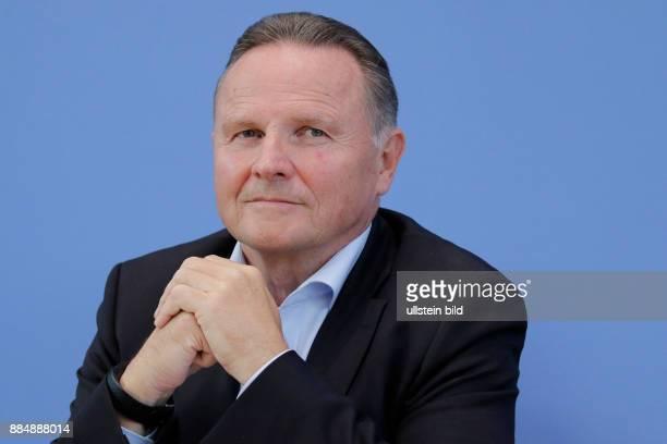 Berlin Bundespressekonferenz Thema Auswertung des Landtagswahljahres 2016 Foto Georg Pazderski Spitzenkandidat Abgeordnetenhauswahl Berlin