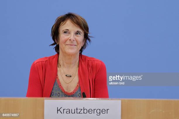 Berlin Bundespressekonferenz Thema Daten zur Umwelt 2015 Maria Krautzberger Präsidentin des Umweltbundesamtes